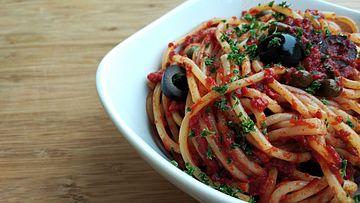 how to make tuna napolitana sauce